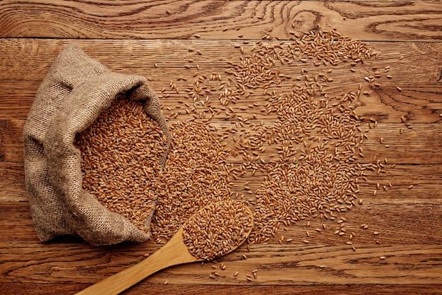 木製食器有機製品食品食料品のクローズアップ