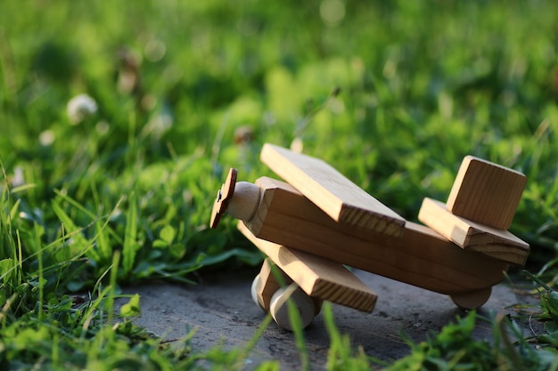나무 장난감 비행기