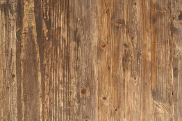 Деревянные стены из пиломатериалов служат стенами и гвоздями. популярное украшение для дома - винтажный тайский оригинал. копировать пространство.