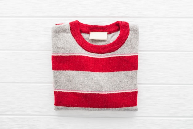 울 스웨터 셔츠 및 의류
