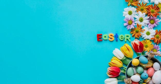 Слово пасха в композиции с цветами