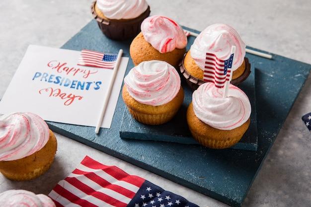 Слово с днем президента. патриотическая выпечка для тортов и 4 июля концепций.