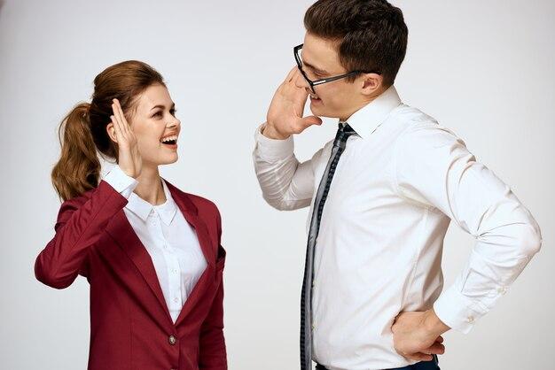 Коллеги по работе деловая пара офис должностных лиц команда студия