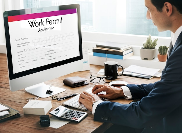 취업 허가 신청 직업 고용 개념