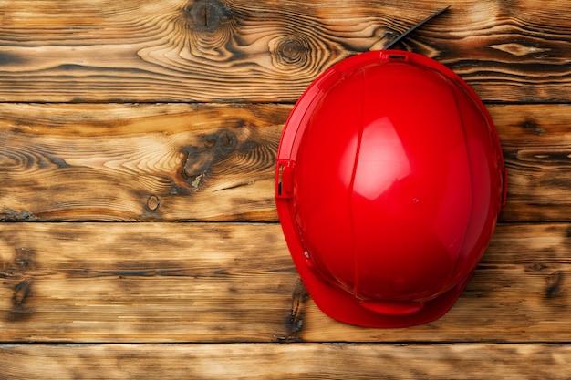 나무 평면도에 작업 안전 보호 안전모