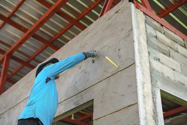 Рабочая стена рабочей стены и линия канавок upvc с гипсовым цементом