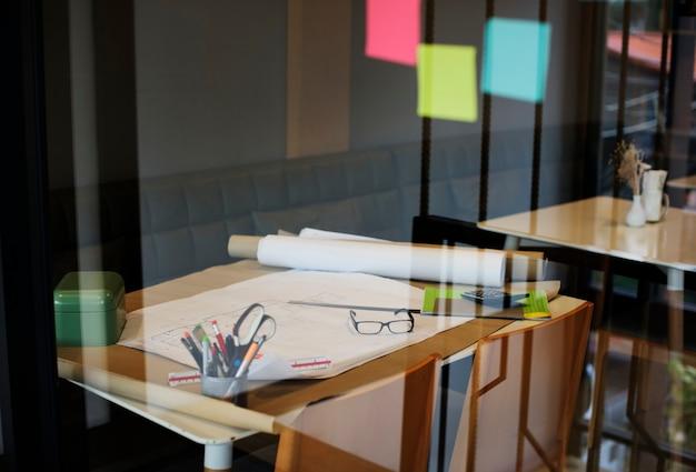 インテリアデザインの作業スペース