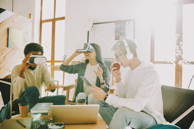 Working together with virtual reality glasses.