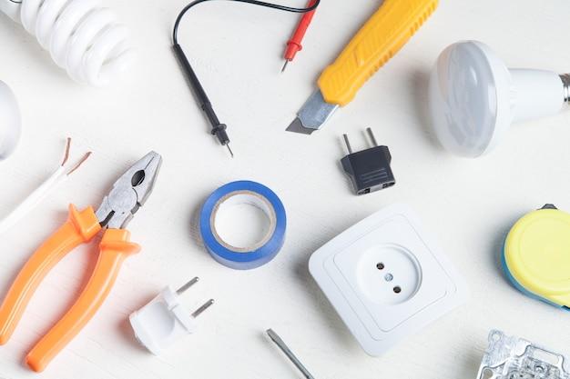 Рабочие инструменты и комплектующие. электротехнические объекты