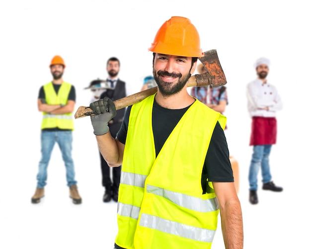 Работник с топором на белом фоне