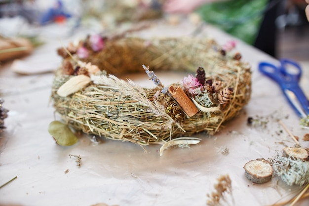 Workshop master class handmade in making christmas wreaths and rustic style