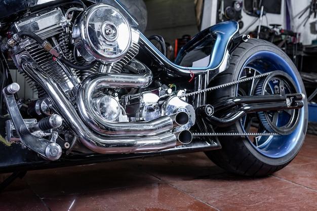 Workshopeのモダンなバイクの詳細。オートバイの排気。