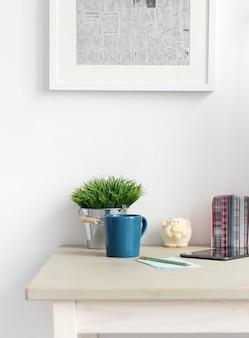 Рабочее пространство. предметы на столе