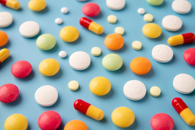 Ассортимент всемирного дня науки с медицинскими таблетками