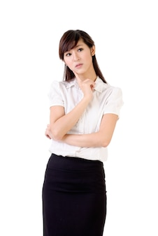 걱정 된 비즈니스 여자, 흰 벽 위에 근접 촬영 초상화.