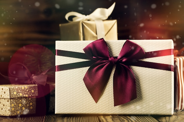 クリスマスのラッピングされた贈り物