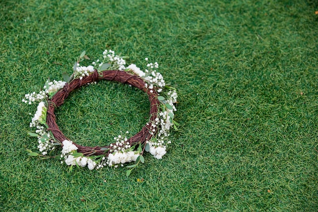Wreath from white daisies