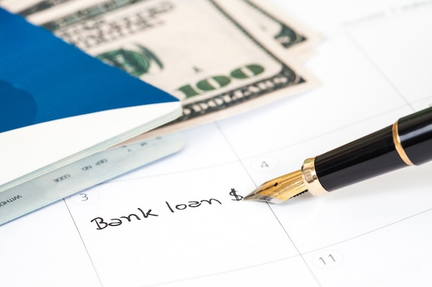 Writing bank lone text on reminder book