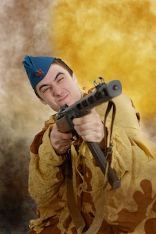 Советский солдат ww2 атака