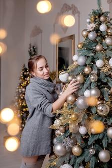 Рождество, зимние праздники и люди концепции
