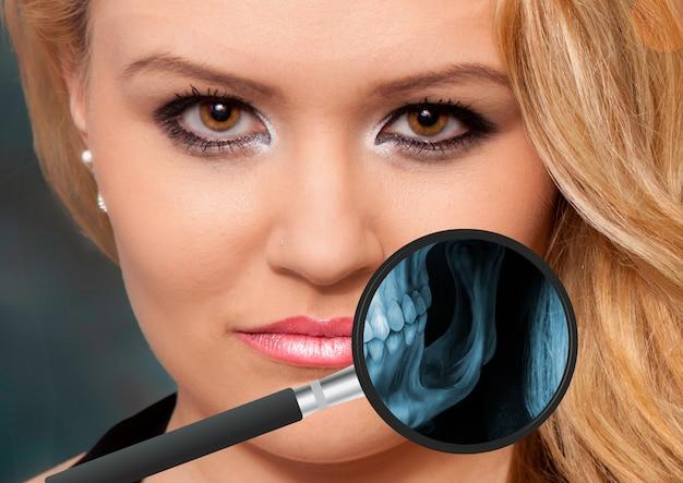 人の顎の視野からの虫眼鏡によるx線