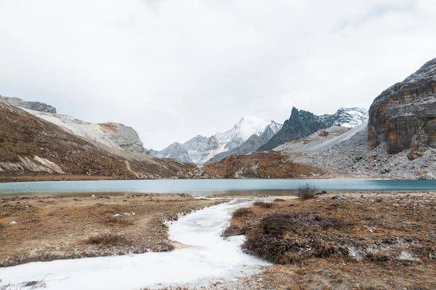 ミルク湖、yading自然保護区、中国
