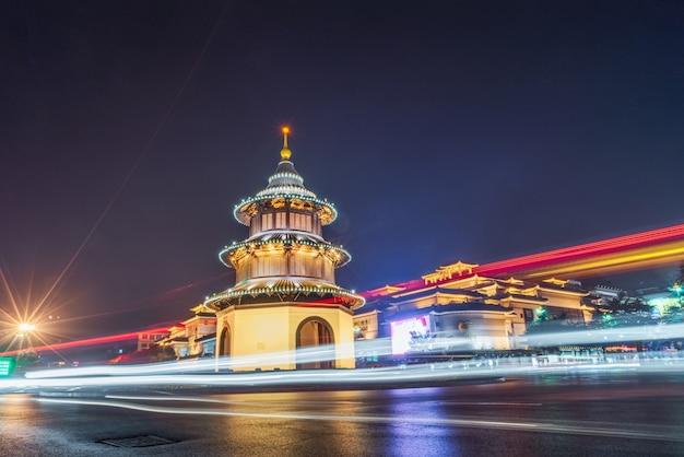 Yangzhou wenchang pavilion building, ancient, car tracks