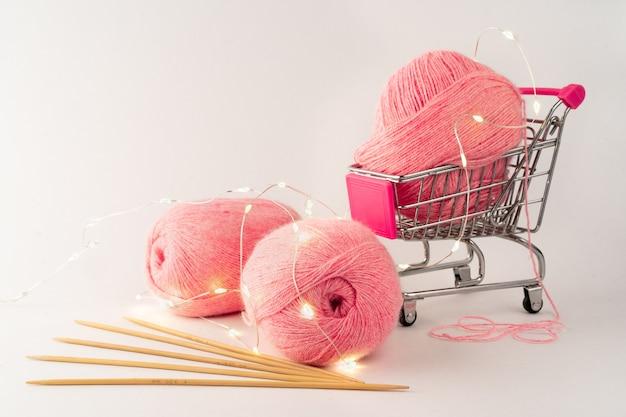 뜨개질 및 뜨개질 원사