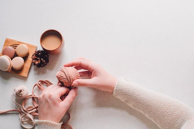 Yarn macarons coffee