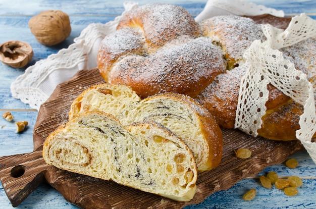 Yeast roll braid