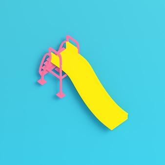 노란색 아이들은 파스텔 색상의 밝은 파란색 배경에서 미끄러집니다. 미니멀리즘 개념입니다. 3d 렌더링