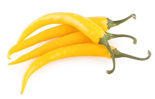 白い背景で隔離の黄色の唐辛子