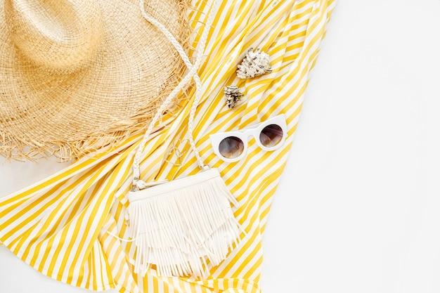 Желтое платье в полоску. женский стильный летний наряд.