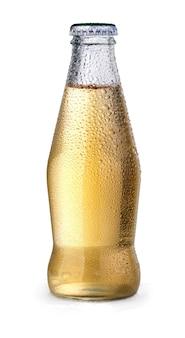 Желтая бутылка сока на белом изолированные
