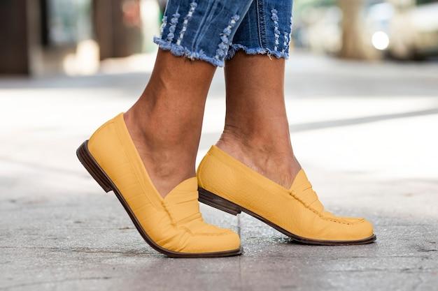 노란색 가죽 로퍼 여성 신발 패션