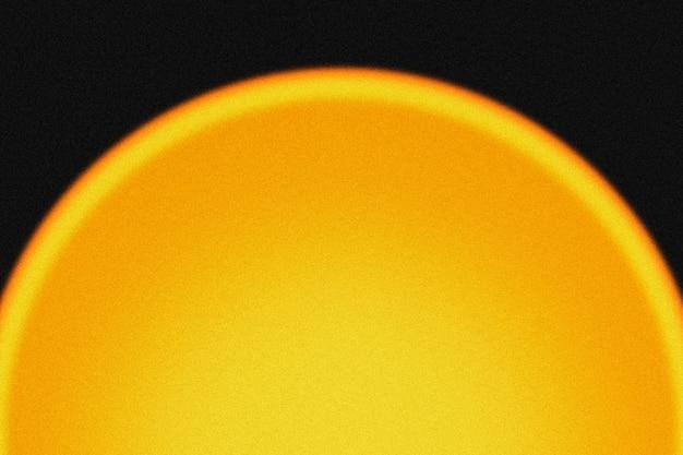 Sfondo giallo chiaro con lampada proiettore tramonto