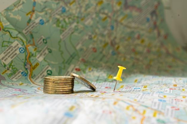 地図の黄色のピンポイント