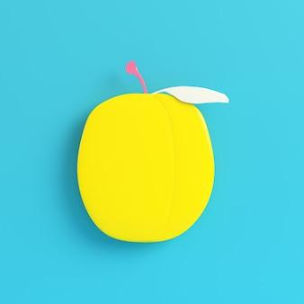 明るい青に黄色い梅