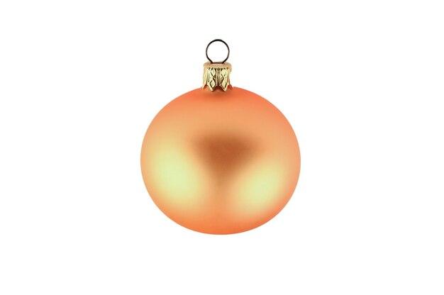 격리 된 배경에 노란색 매끄러운 복고풍 크리스마스 공입니다. 고품질 사진