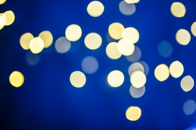 青い黄色の斑点