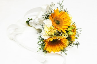 Yellow theme and bouquet for her wedding