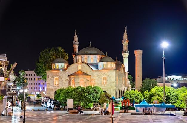 Мечеть йени джами в малатья, турция