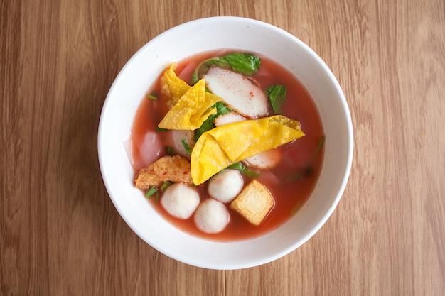 Yentafo noodle with fish meatball tofu and dumpling