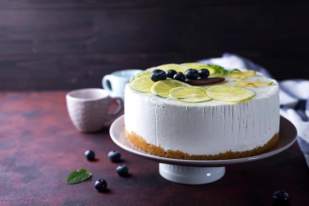 Yogurt mousse cake