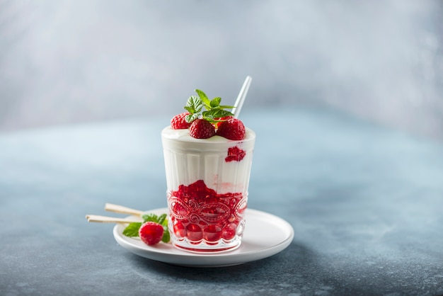 Yogurt with raspberry and mint