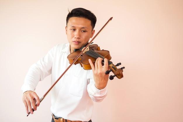 アジア人、ヤングアダルト、バイオリン