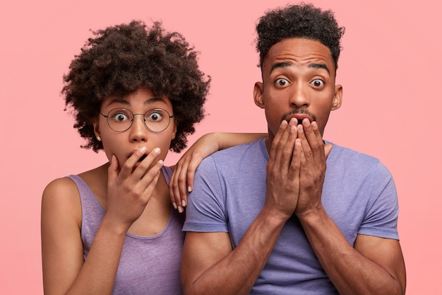 若いアフリカ系アメリカ人の女性と男性
