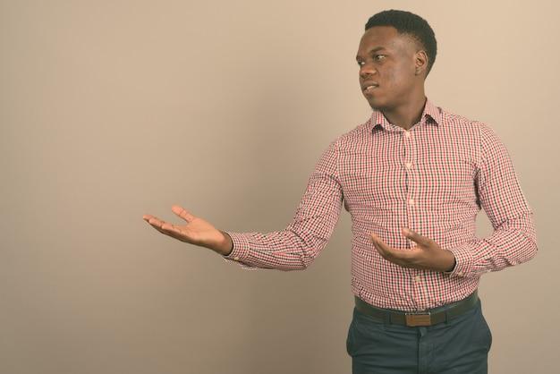 젊은 아프리카 사업가