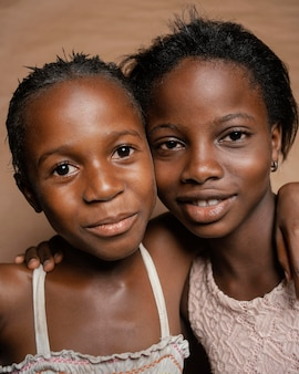 若いアフリカの姉妹