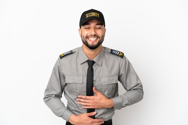 Молодой арабский человек, изолированные на белом фоне, много улыбаясь
